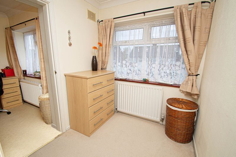 3 bed house for sale in Lansdowne Road 12