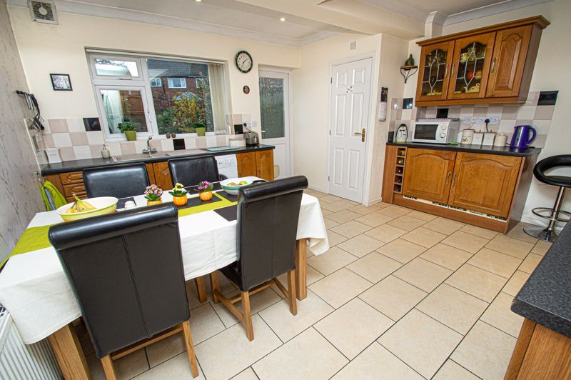 3 bed house for sale in Lansdowne Road  - Property Image 4