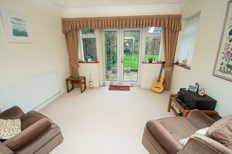 3 bed house for sale in Lansdowne Road 5