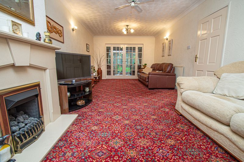 3 bed house for sale in Lansdowne Road  - Property Image 6
