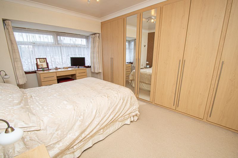 3 bed house for sale in Lansdowne Road 9