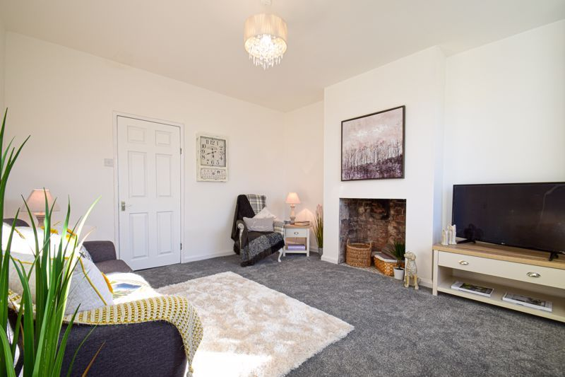 3 bed house for sale in New Road 2