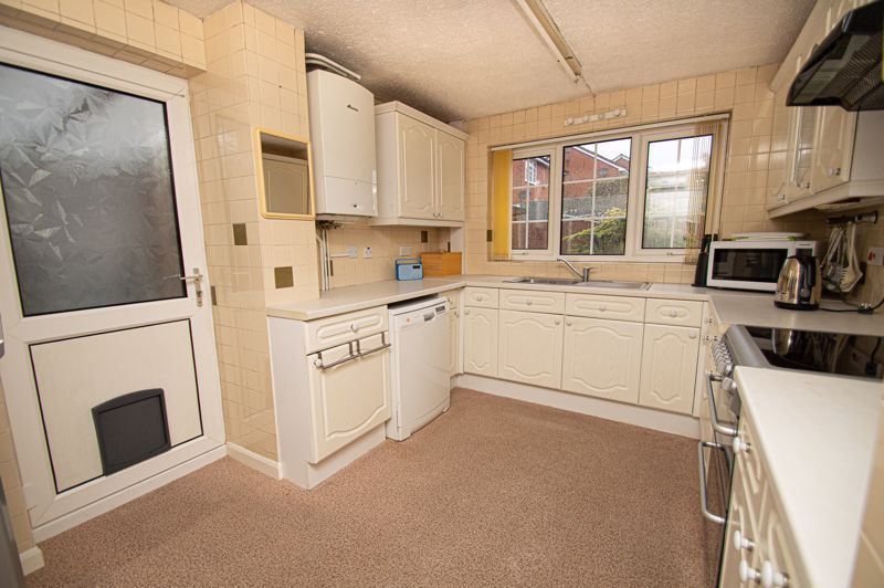 3 bed house for sale in Rush Lane 5