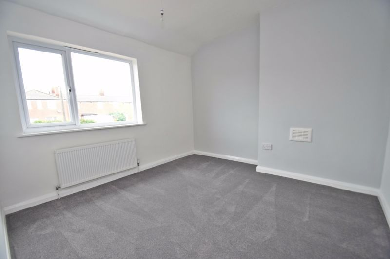 3 bed house for sale in King George Close 8