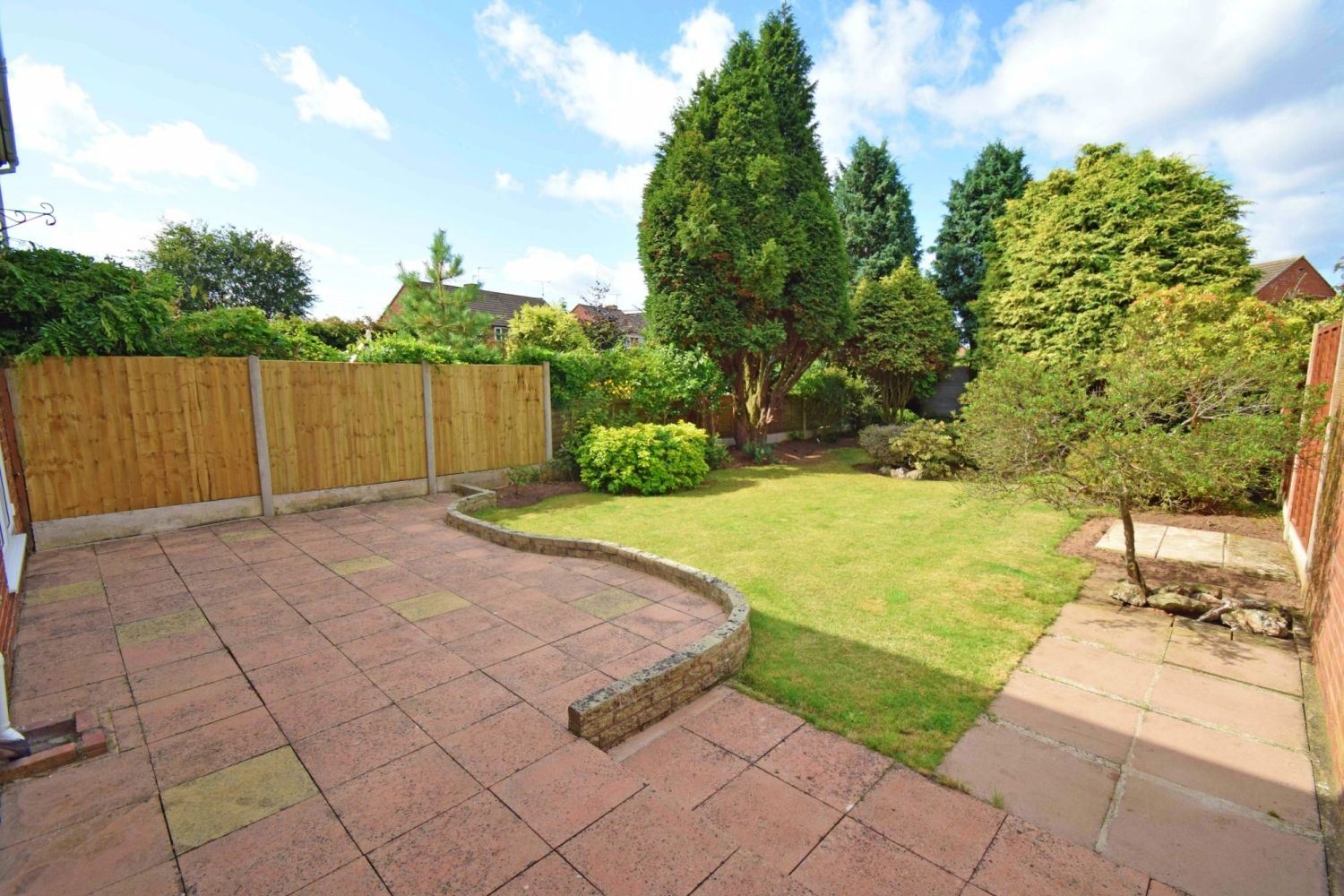 3 bed semi-detached for sale in Beachcroft Road, Wall Heath  - Property Image 13