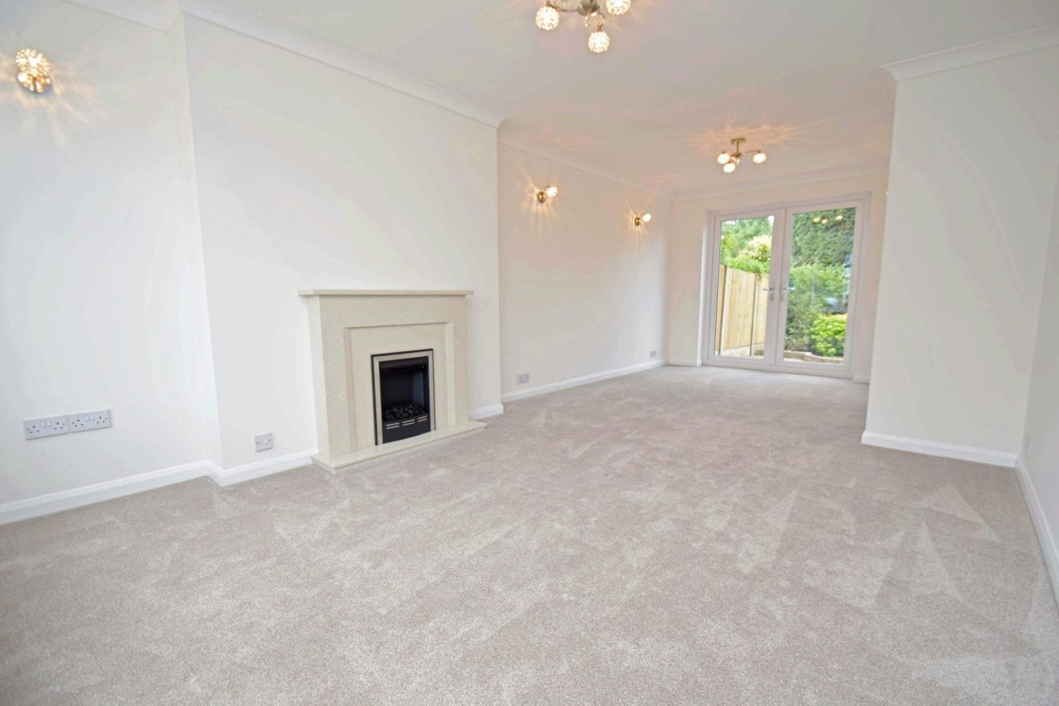 3 bed semi-detached for sale in Beachcroft Road, Wall Heath  - Property Image 2