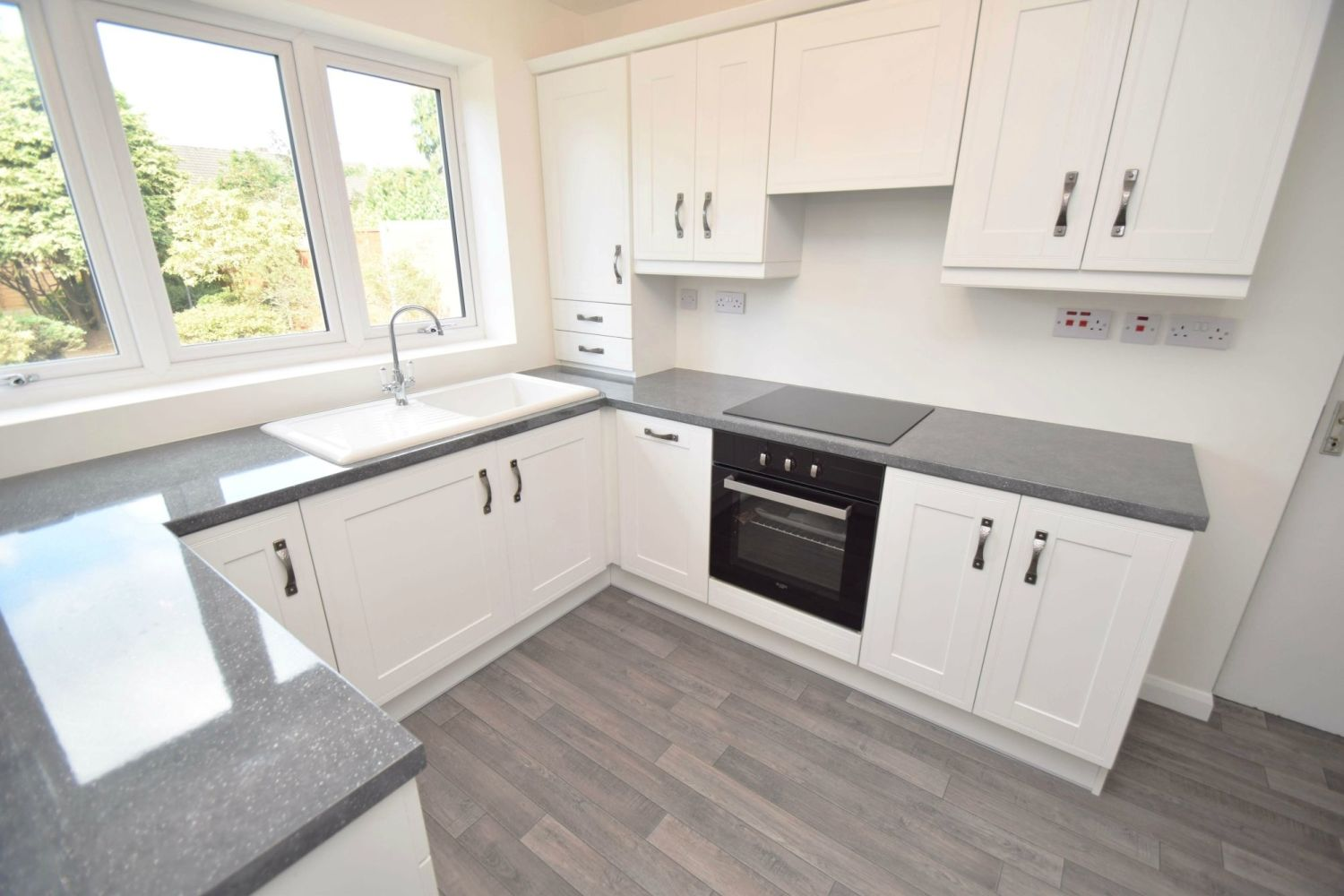 3 bed semi-detached for sale in Beachcroft Road, Wall Heath 6