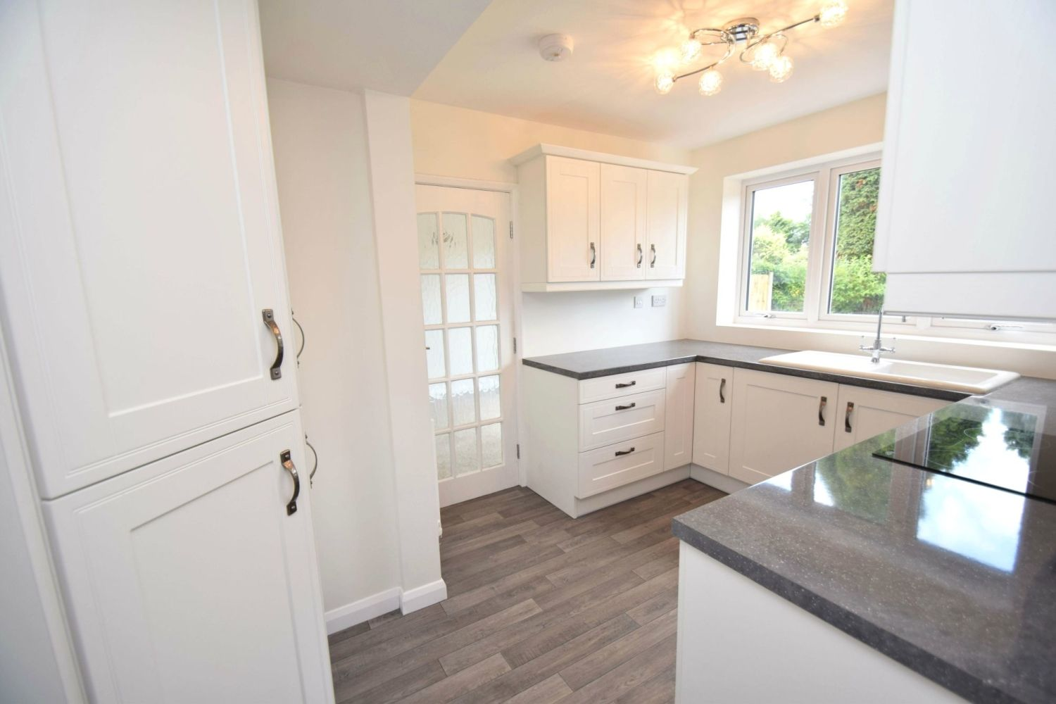 3 bed semi-detached for sale in Beachcroft Road, Wall Heath  - Property Image 7