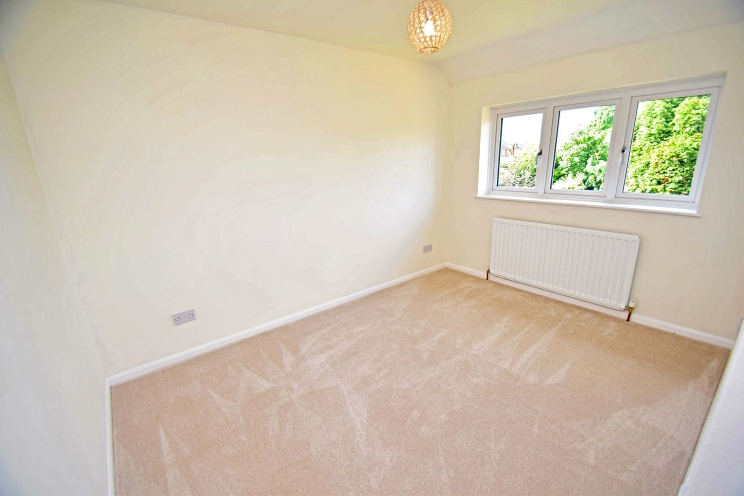 3 bed semi-detached for sale in Beachcroft Road, Wall Heath  - Property Image 8