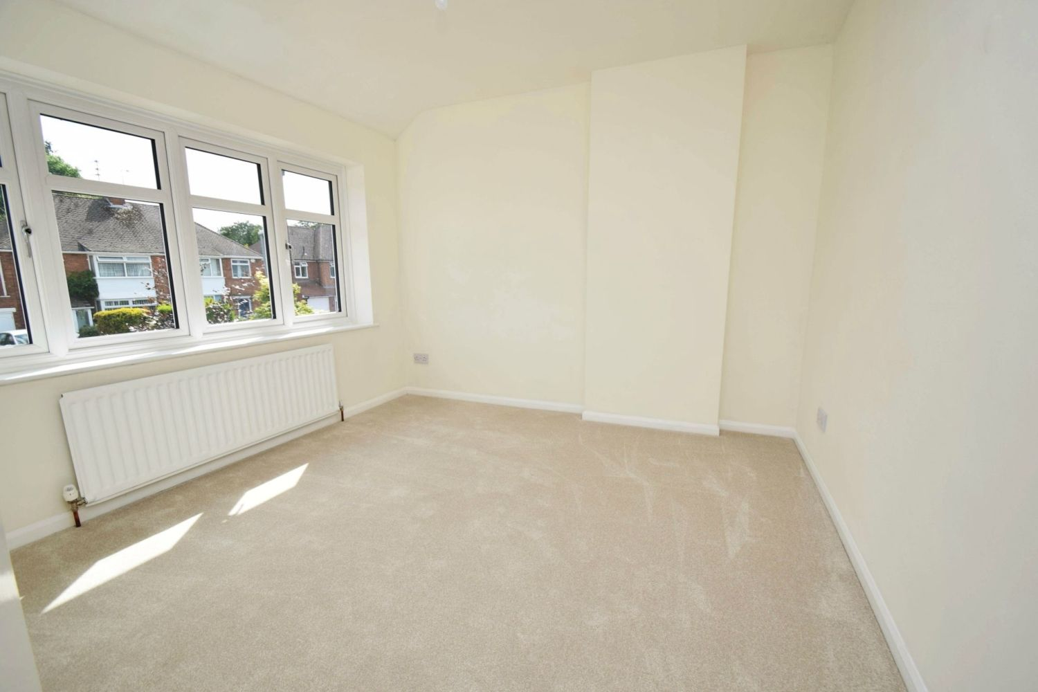 3 bed semi-detached for sale in Beachcroft Road, Wall Heath  - Property Image 9