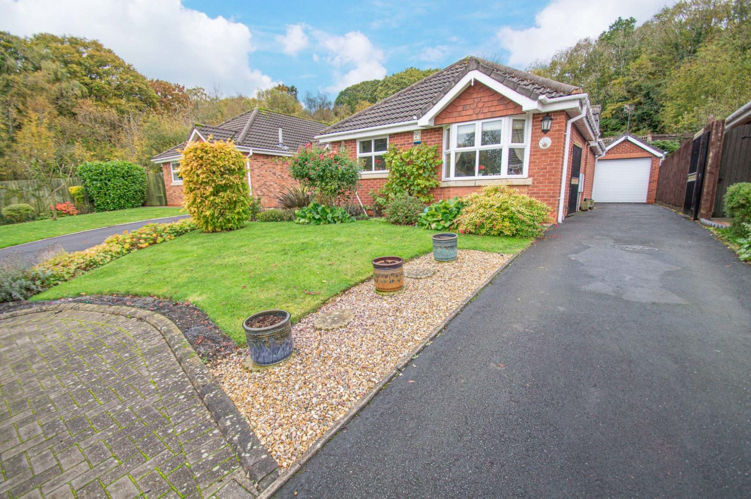 2 bed bungalow for sale in Fernwood Close, Wirehill 1