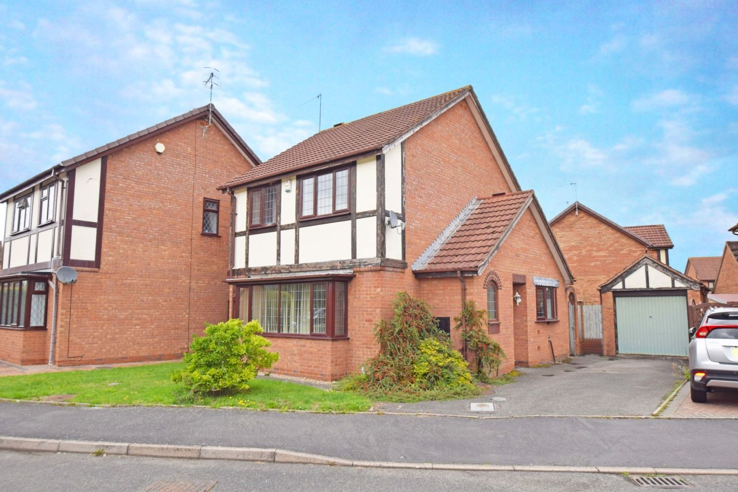 3 bed detached for sale in Avon Close, Stoke Heath, Bromsgrove, B60 - Property Image 1