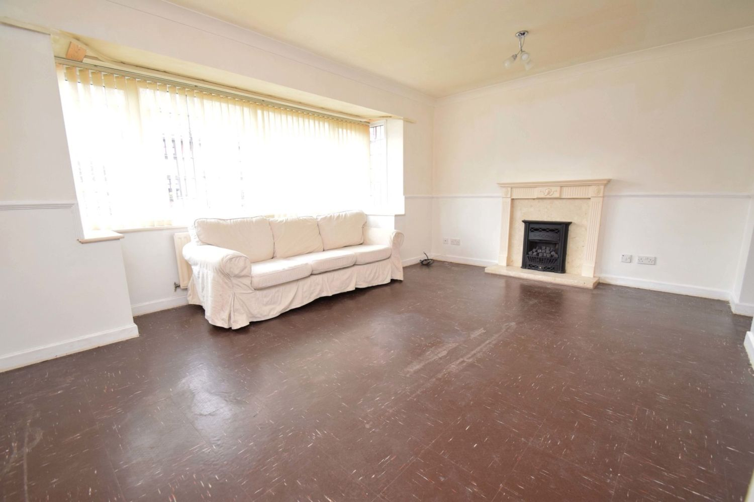 3 bed detached for sale in Avon Close, Stoke Heath, Bromsgrove, B60  - Property Image 3