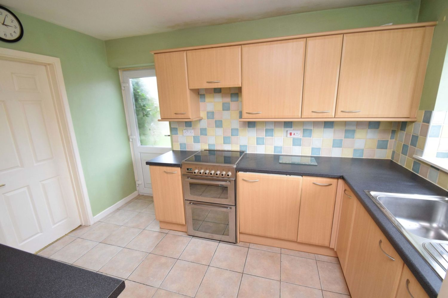 3 bed detached for sale in Avon Close, Stoke Heath, Bromsgrove, B60  - Property Image 5