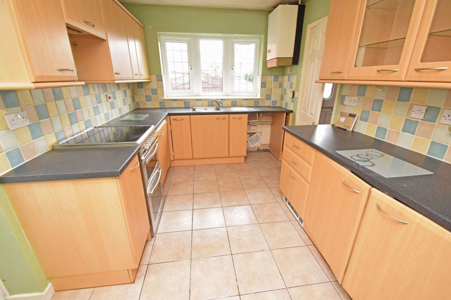 3 bed detached for sale in Avon Close, Stoke Heath, Bromsgrove, B60  - Property Image 6