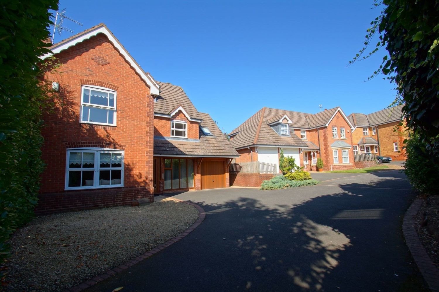 4 bed detached for sale in Acre Lane, Webheath 2