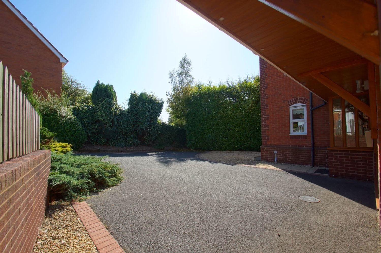 4 bed detached for sale in Acre Lane, Webheath 3