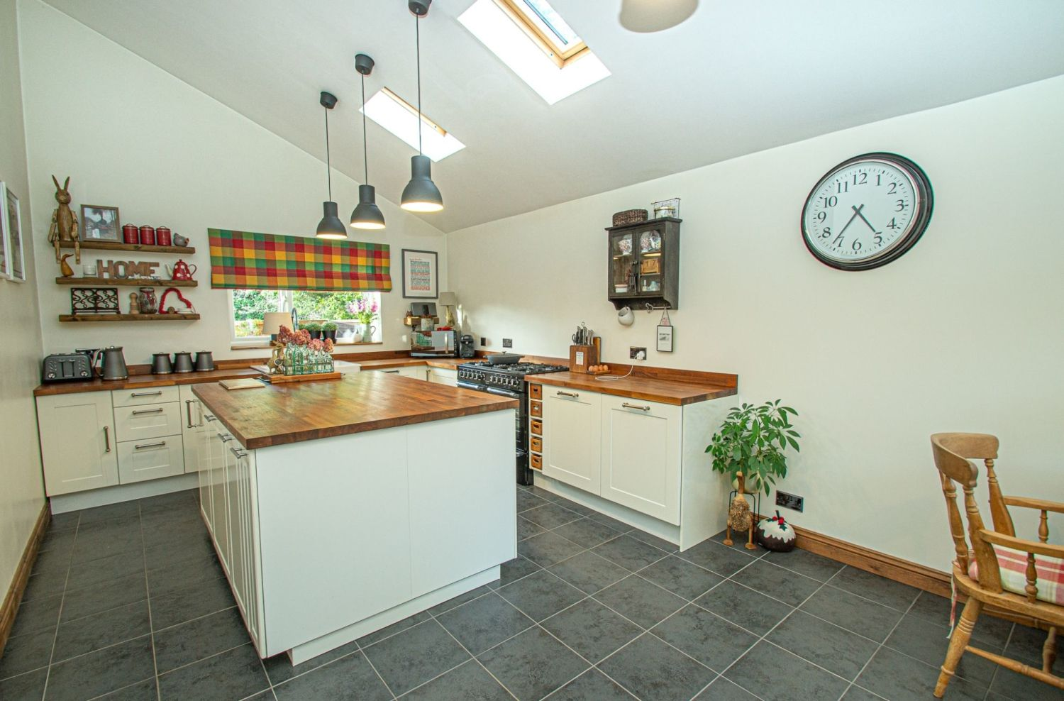 3 bed detached for sale in Longhope Close, Winyates Green 4