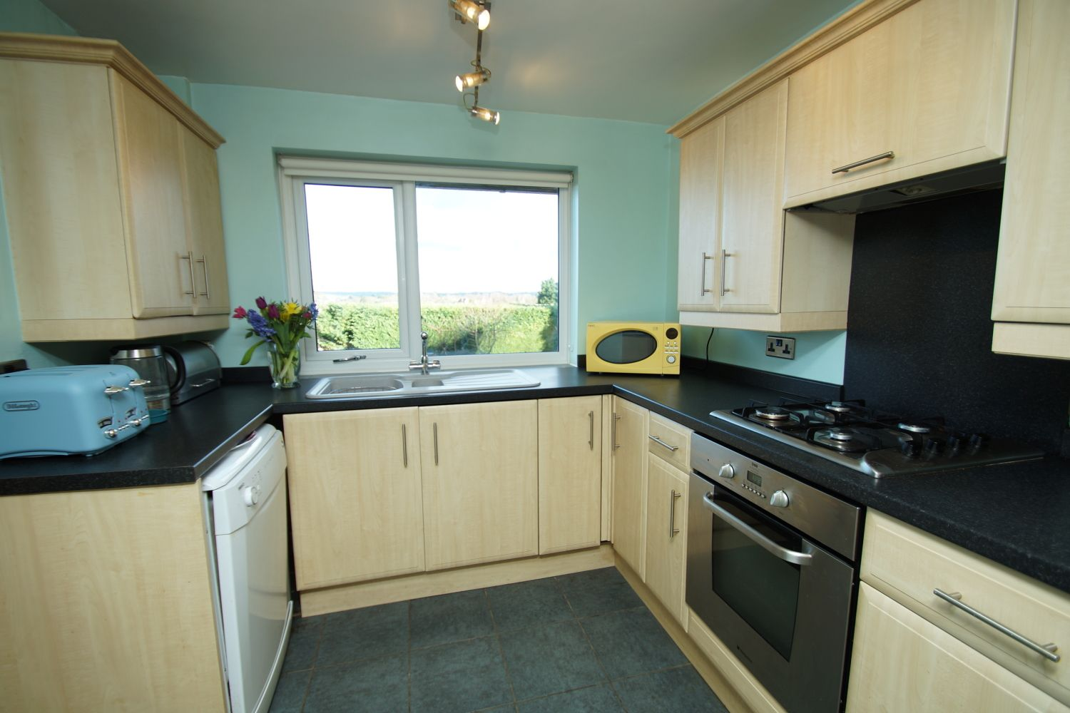 3 bed detached for sale in Fox Lane, Bromsgrove  - Property Image 6