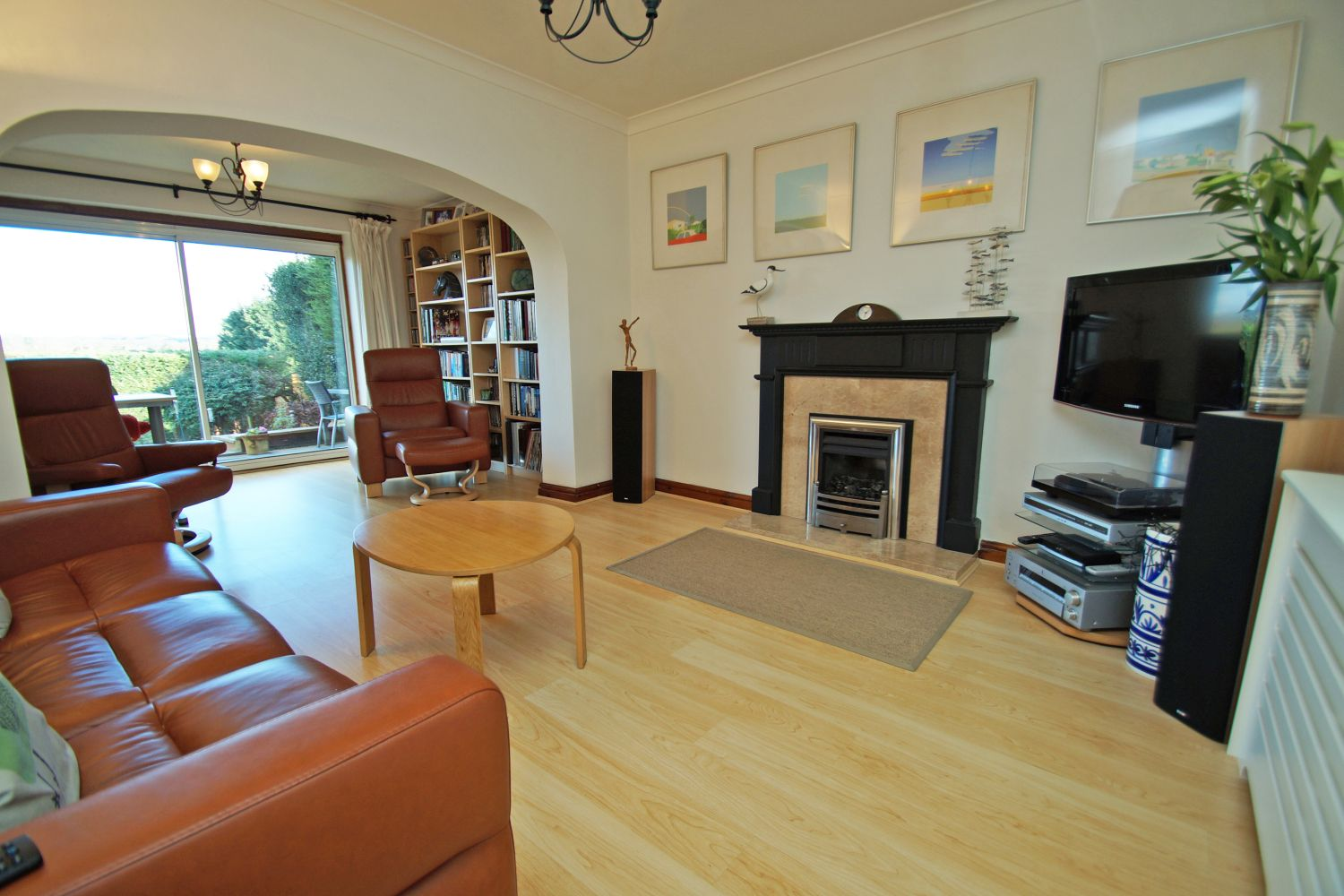 3 bed detached for sale in Fox Lane, Bromsgrove 8