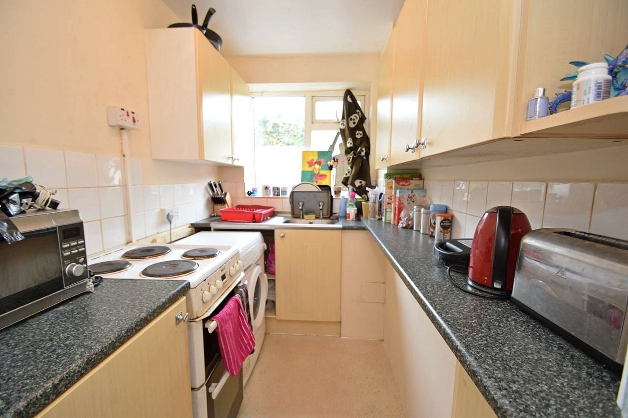 2 bed flat for sale in Farleigh Road, Pershore  - Property Image 3
