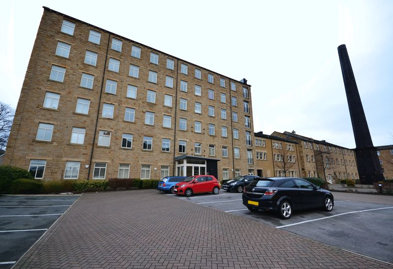 2 bed Flat for sale in Textile Street - Photo 6 (Property Image 1)