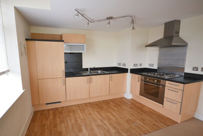 2 bed Flat for sale in Textile Street - Photo 11 (Property Image 3)