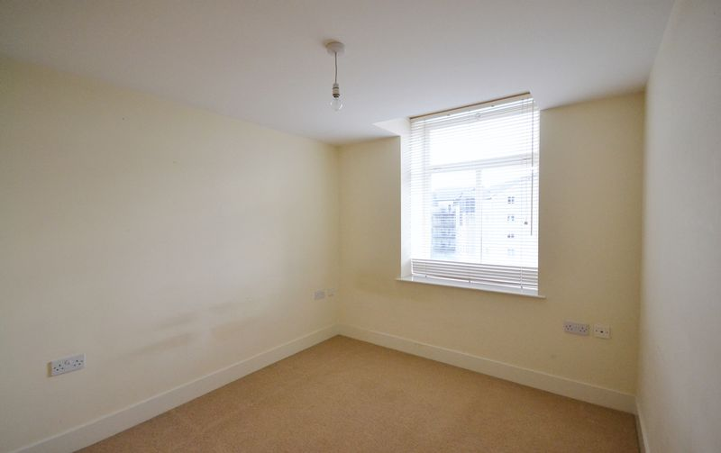2 bed Flat for sale in Textile Street - Photo 2 (Property Image 7)