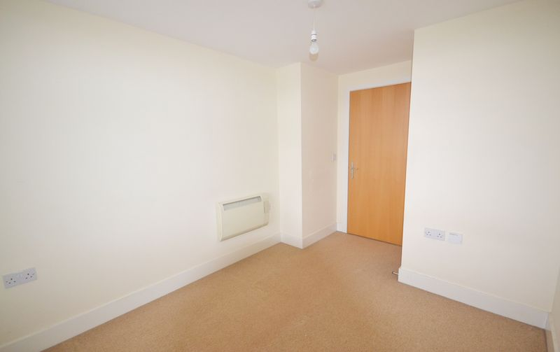 2 bed Flat for sale in Textile Street - Photo 4 (Property Image 9)