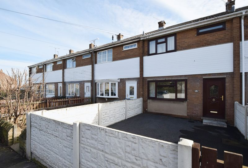3 bed House for sale in Avenue Road - Property Image 1