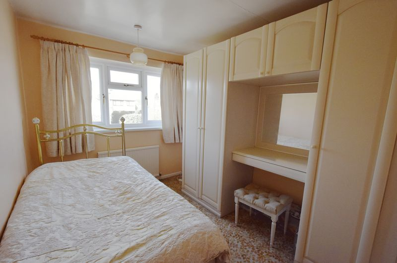 3 bed House for sale in Avenue Road - Photo 4 (Property Image 12)