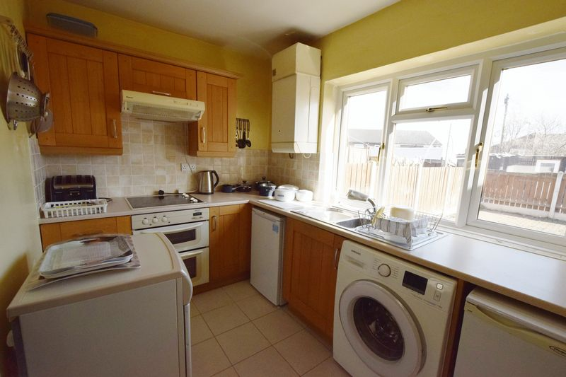 3 bed House for sale in Avenue Road - Photo 14 (Property Image 3)