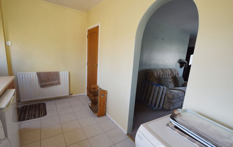 3 bed House for sale in Avenue Road - Photo 16 (Property Image 5)