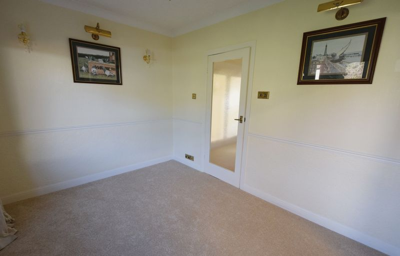 3 bed Bungalow for sale in Thurnscoe Road - Photo 37 (Property Image 17)