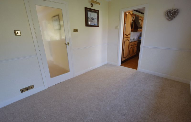 3 bed Bungalow for sale in Thurnscoe Road - Photo 38 (Property Image 18)