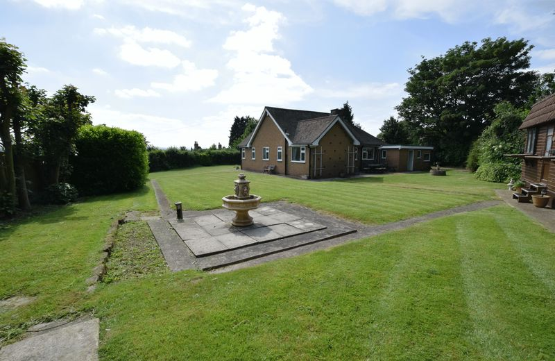 3 bed Bungalow for sale in Thurnscoe Road - Photo 11 (Property Image 7)