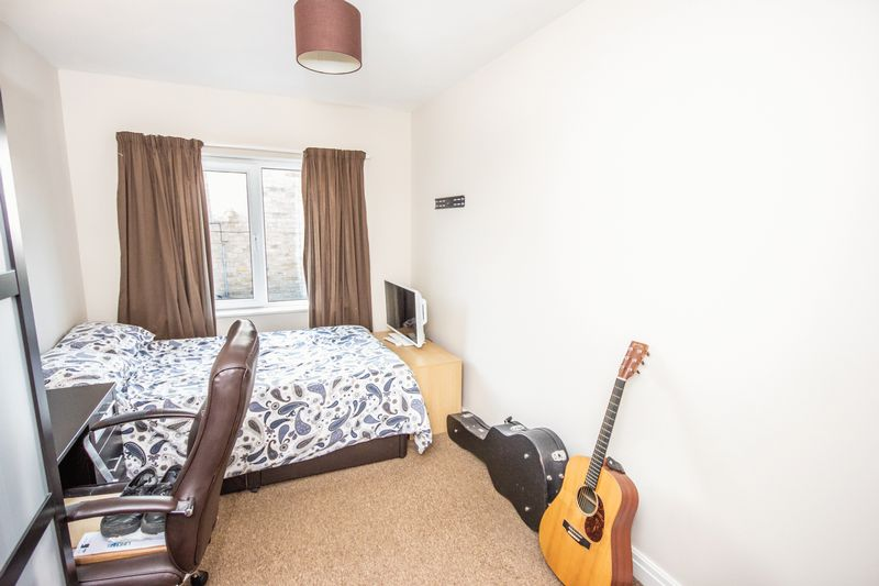 4 bed House for sale in Howard Street - Photo 6 (Property Image 14)