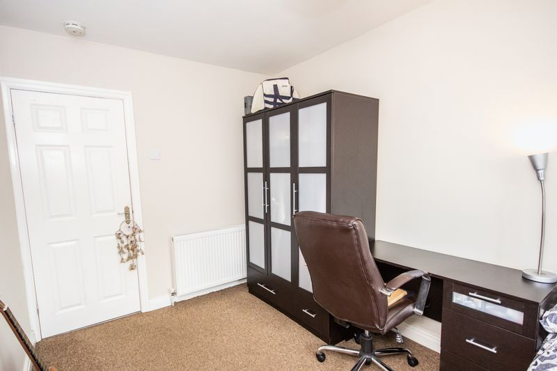 4 bed House for sale in Howard Street - Photo 4 (Property Image 16)