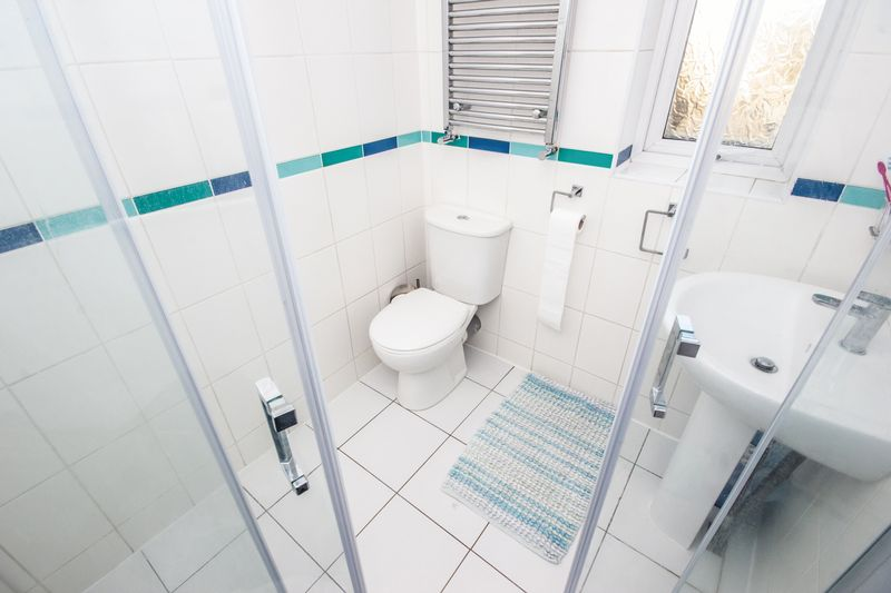 4 bed House for sale in Howard Street - Photo 12 (Property Image 8)