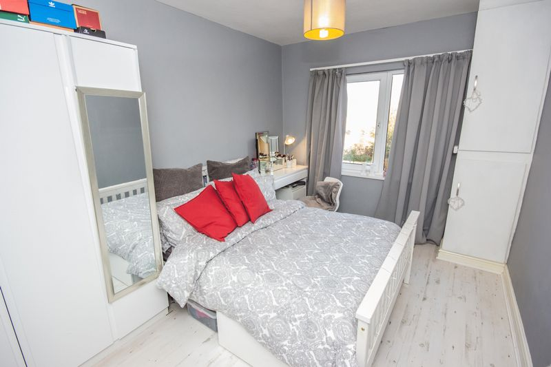 4 bed House for sale in Howard Street - Photo 17 (Property Image 9)
