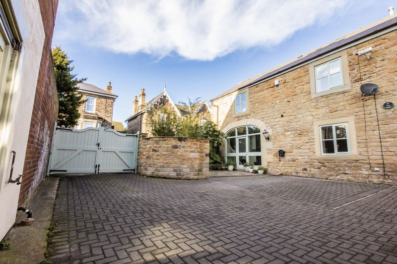 3 bed House for sale in Fitzwilliam Street - Property Image 1