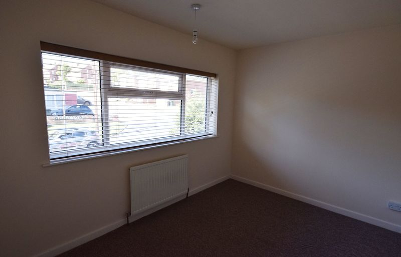 3 bed House for sale in Park Close - Photo 5 (Property Image 10)