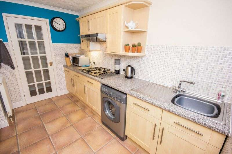 3 bed Bungalow for sale in Poplar Close - Photo 13 (Property Image 8)