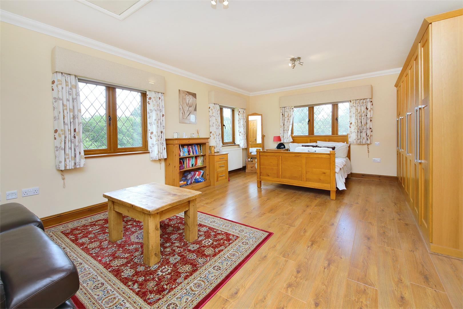 6 bed to rent in Elstree - (Property Image 6)