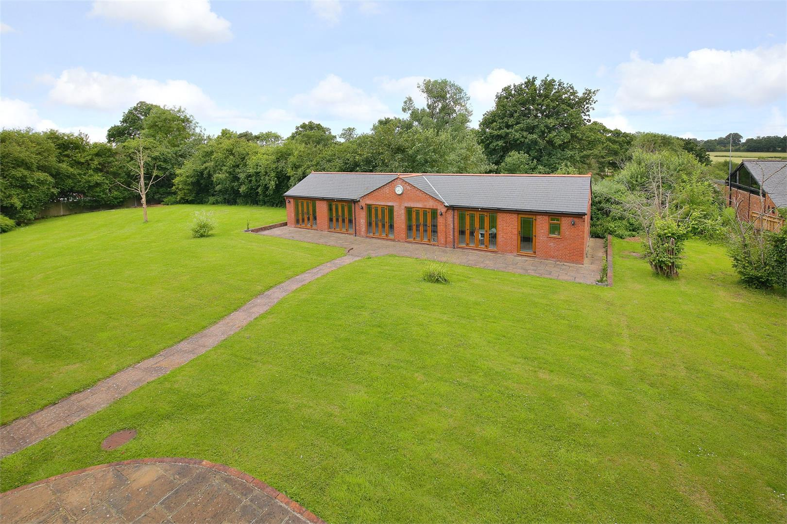6 bed to rent in Elstree - (Property Image 11)
