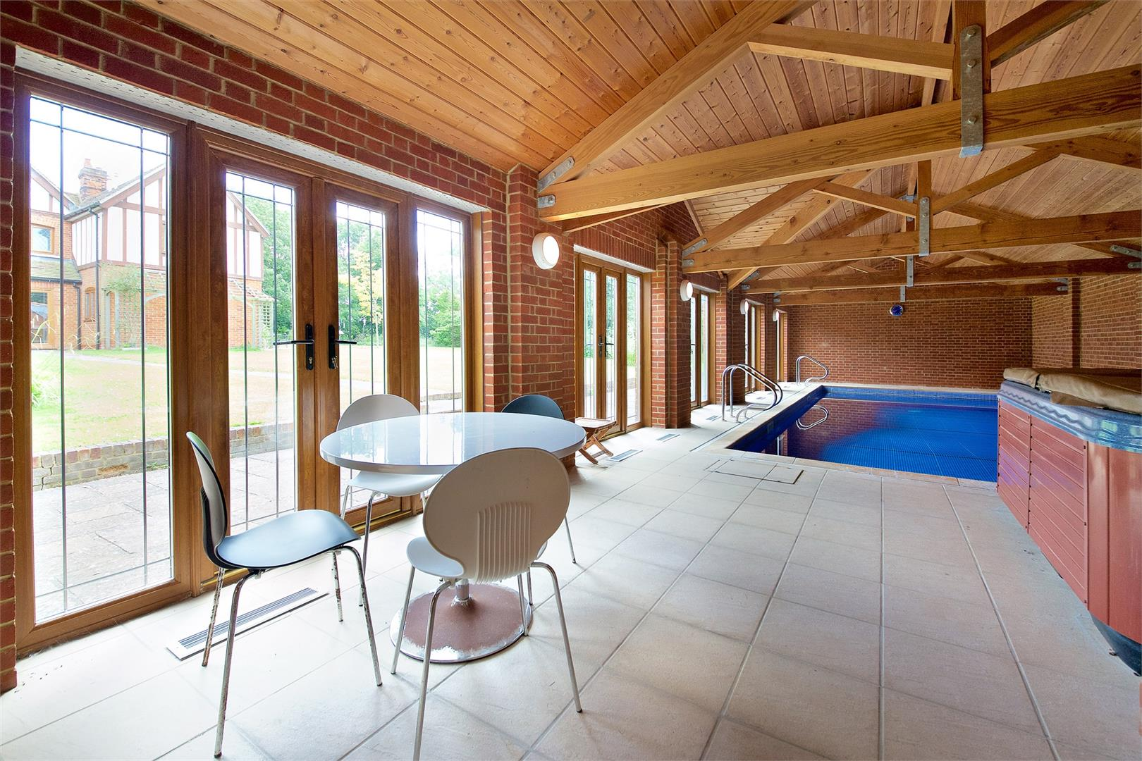 6 bed to rent in Elstree - (Property Image 13)