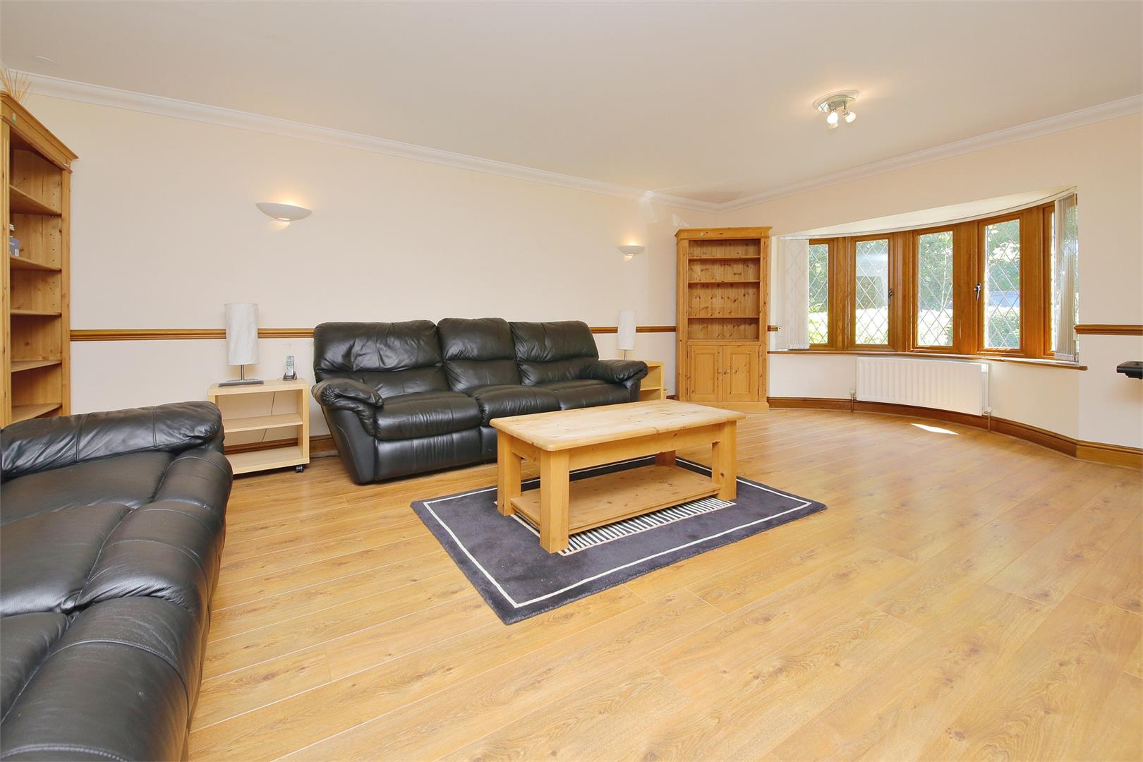 6 bed to rent in Elstree - (Property Image 2)