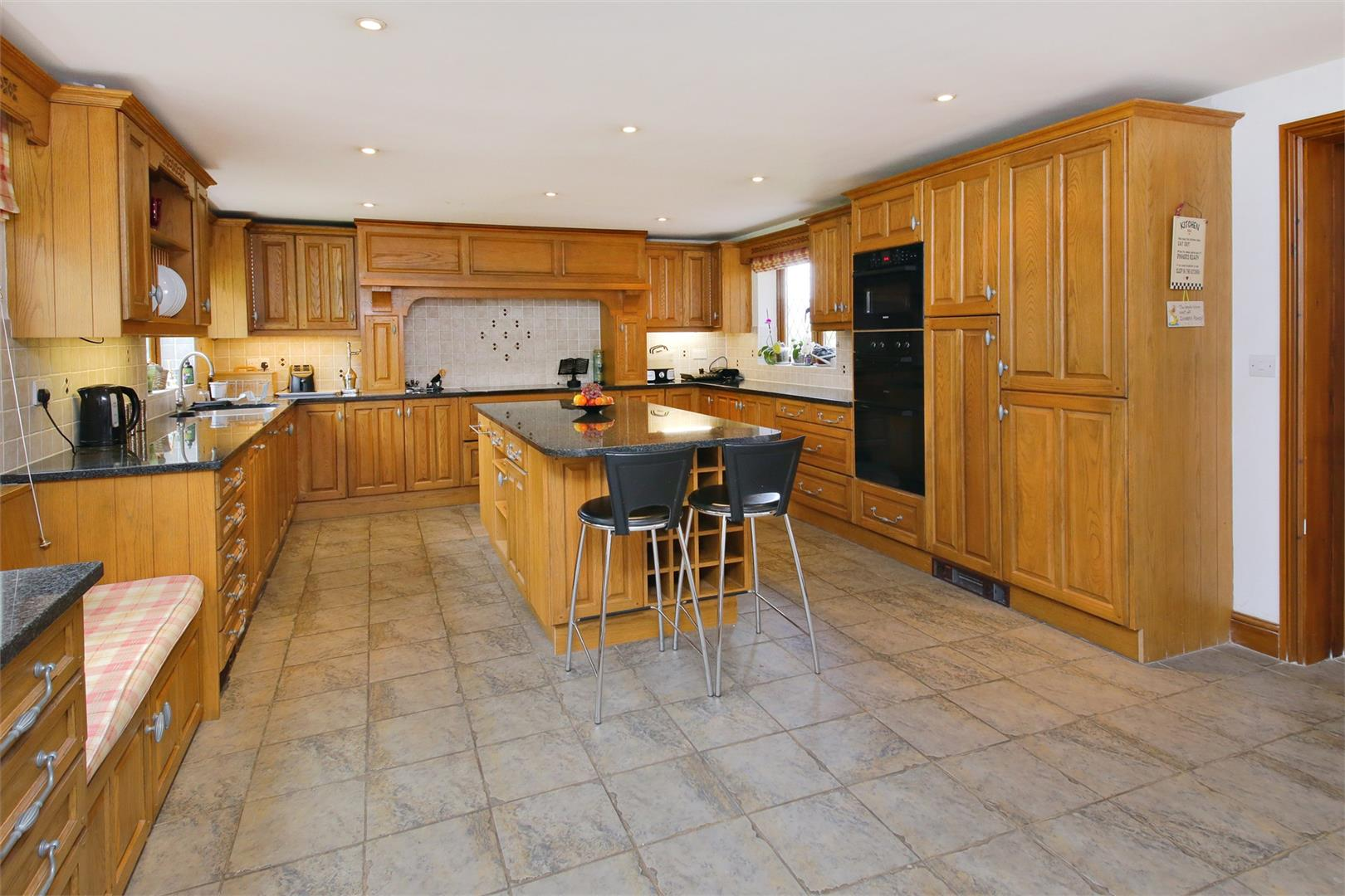 6 bed to rent in Elstree - (Property Image 3)