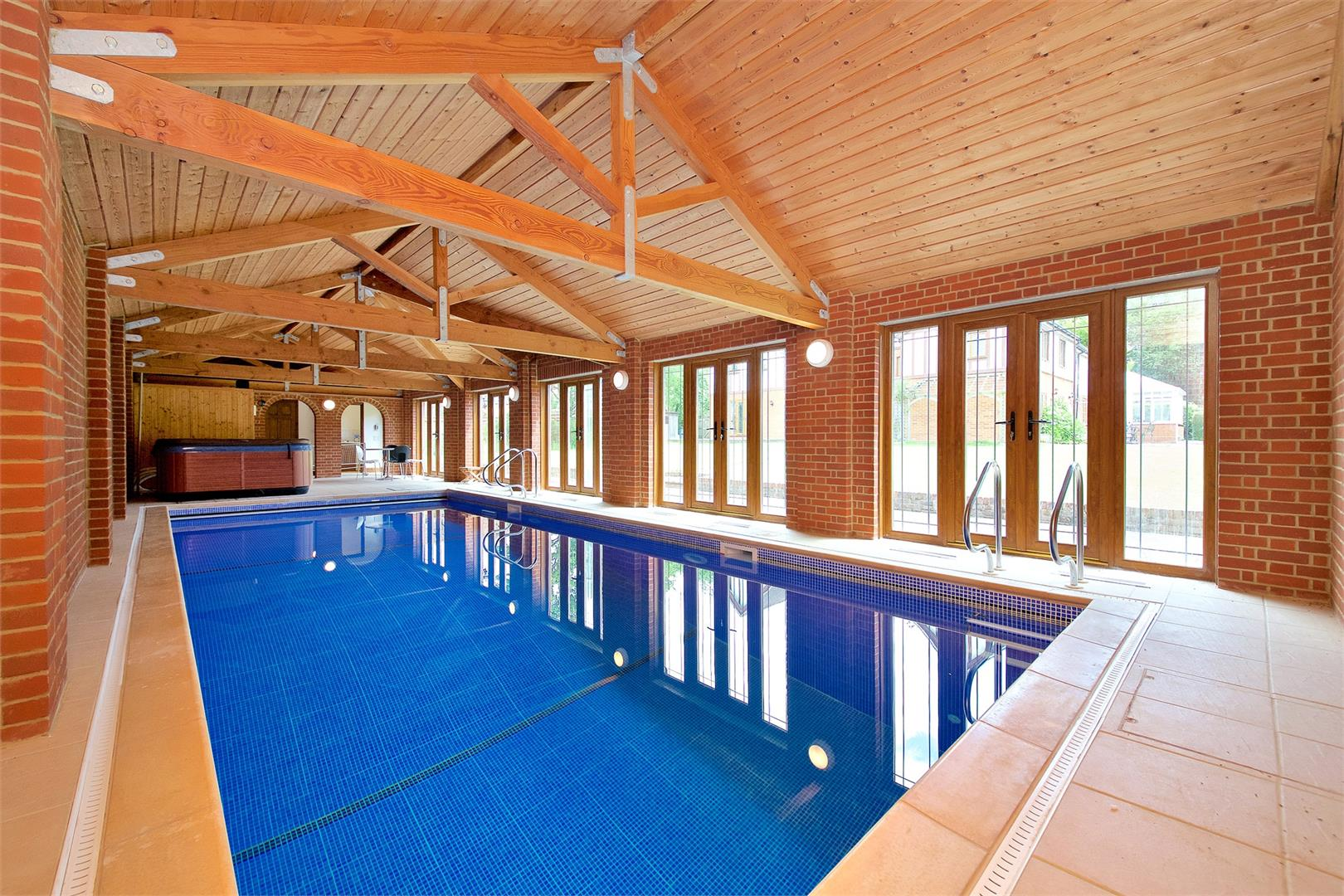 6 bed to rent in Elstree - (Property Image 12)