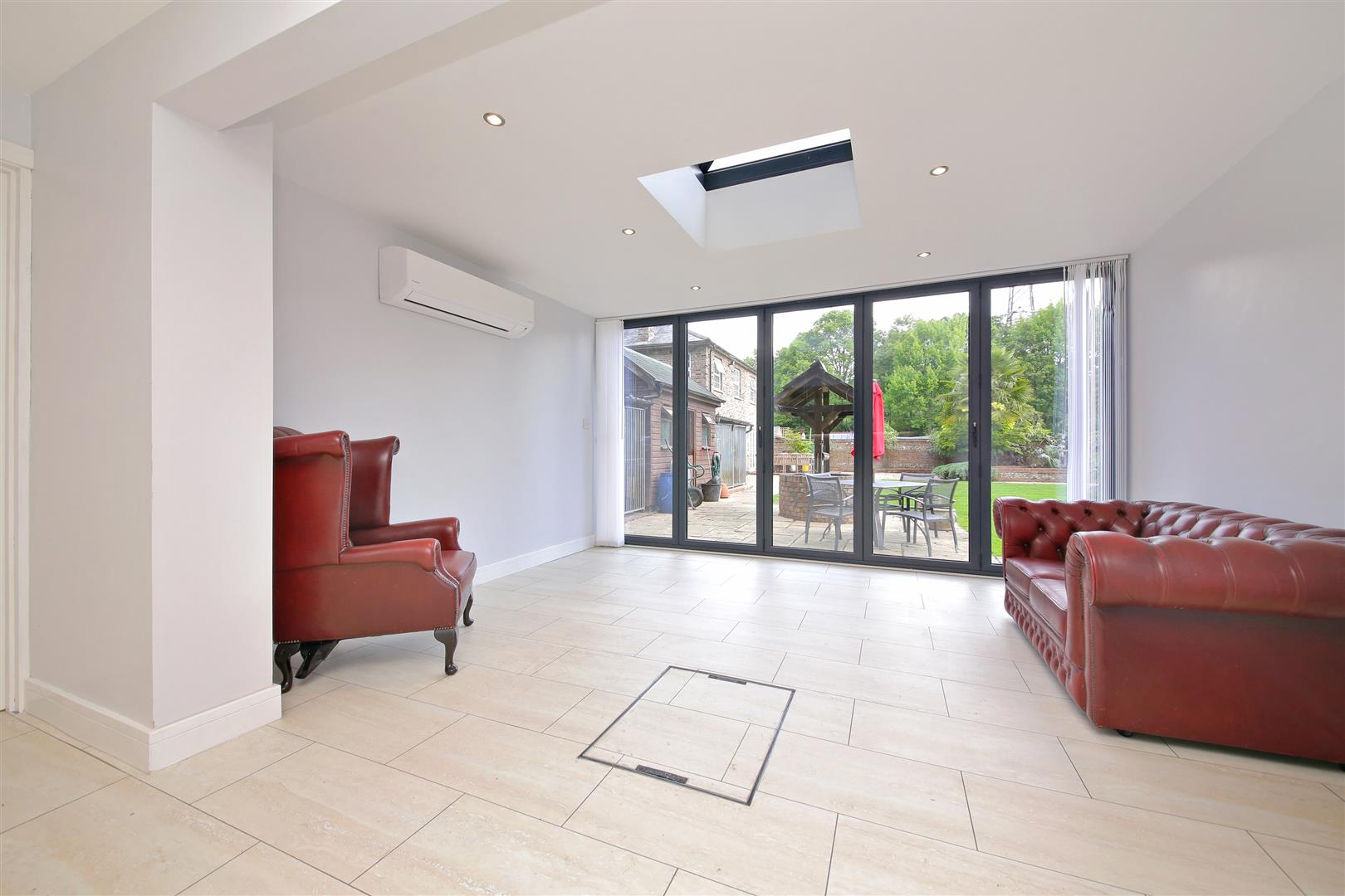 3 bed for sale in Station Road, Bricket Wood - (Property Image 8)
